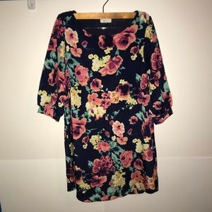 ✂️everly floral long sleeve dress size S